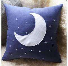 V-081 Gối mặt trăng